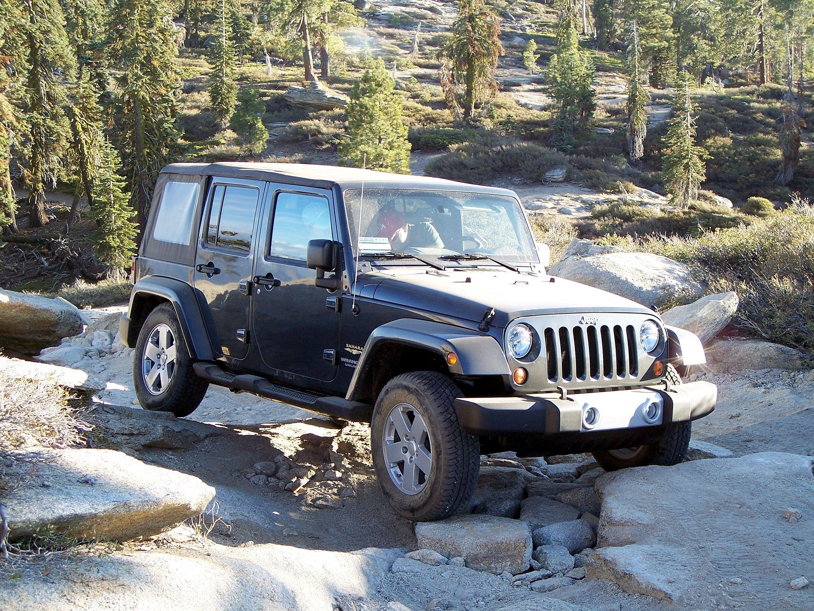 2017 Jeep Wrangler Mpg >> 2017 Jeep Wrangler Fuel Economy Driven Jeep News Jeep Wrangler