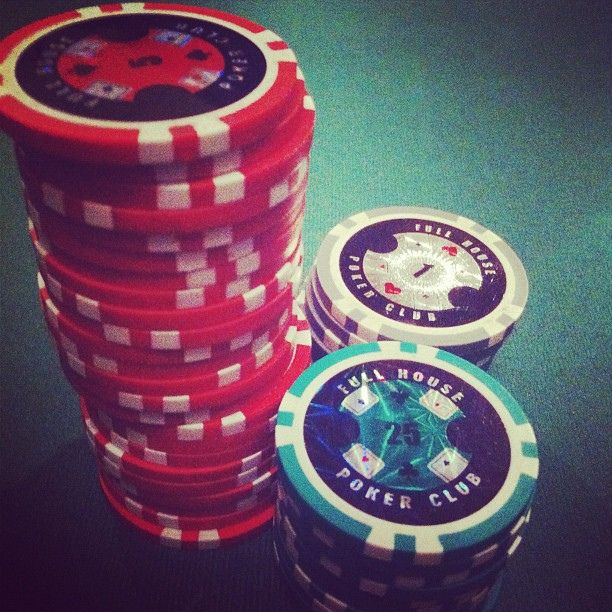 Silver Trademark 1000 13 Gm Pro Clay Casino Chips with Aluminum Case