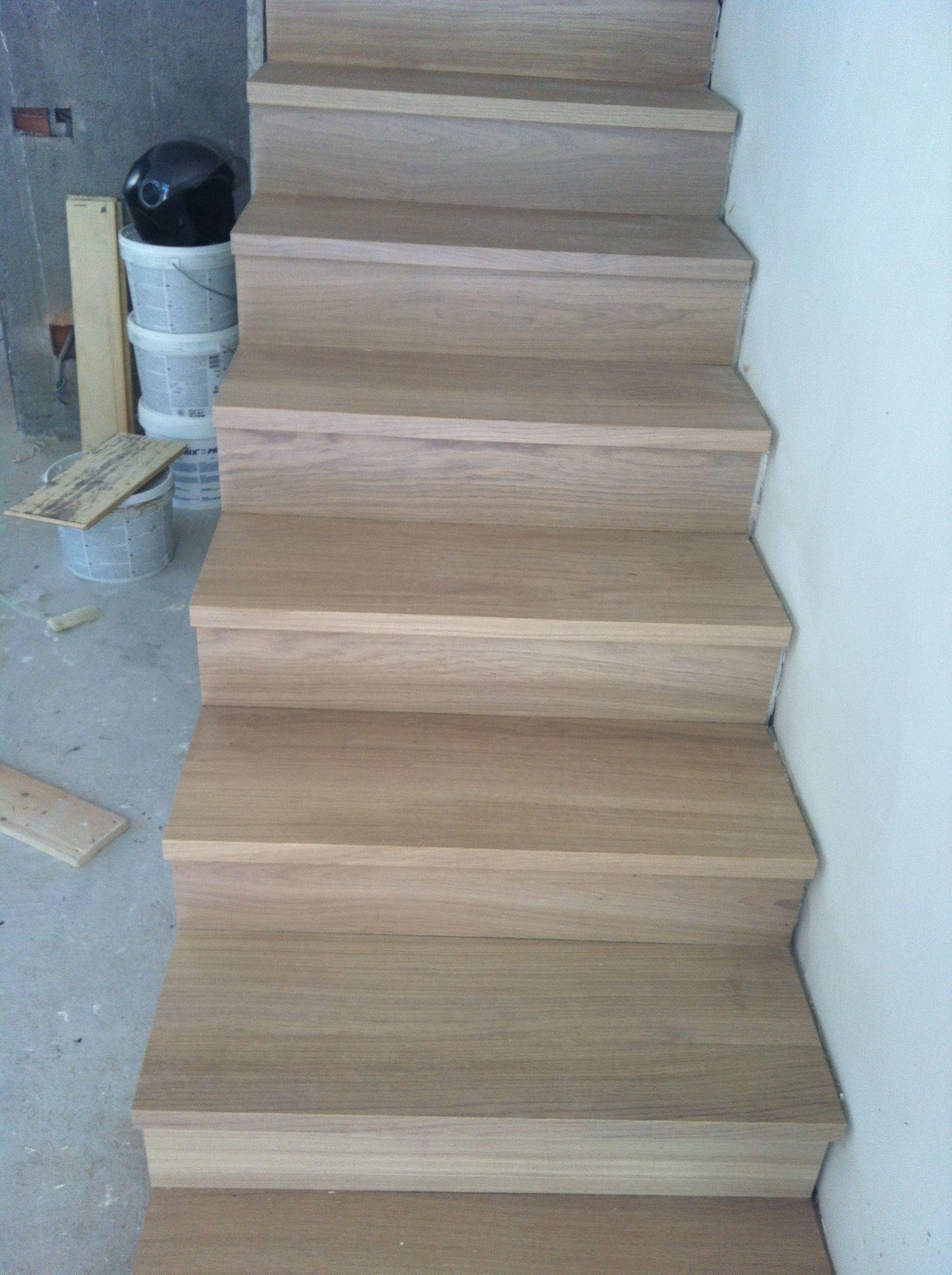 instalacin de escaleras de madera para interior en un duplex