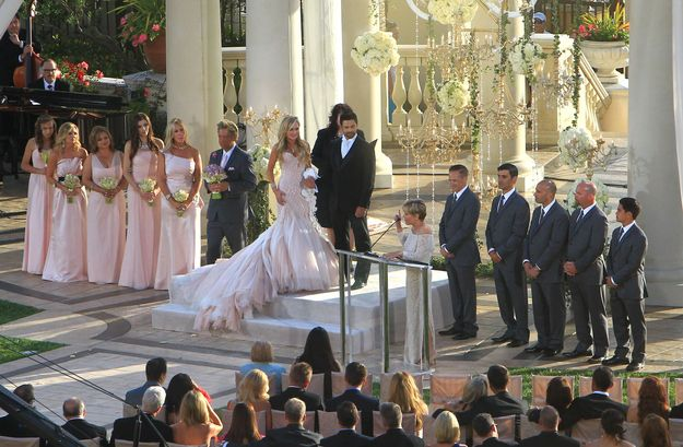 Gretchen And Slade Getting Married Tammy Sue And Eddie Will Be Divorced In Five Years Bridal Photographs Wedding Dresses Wedding