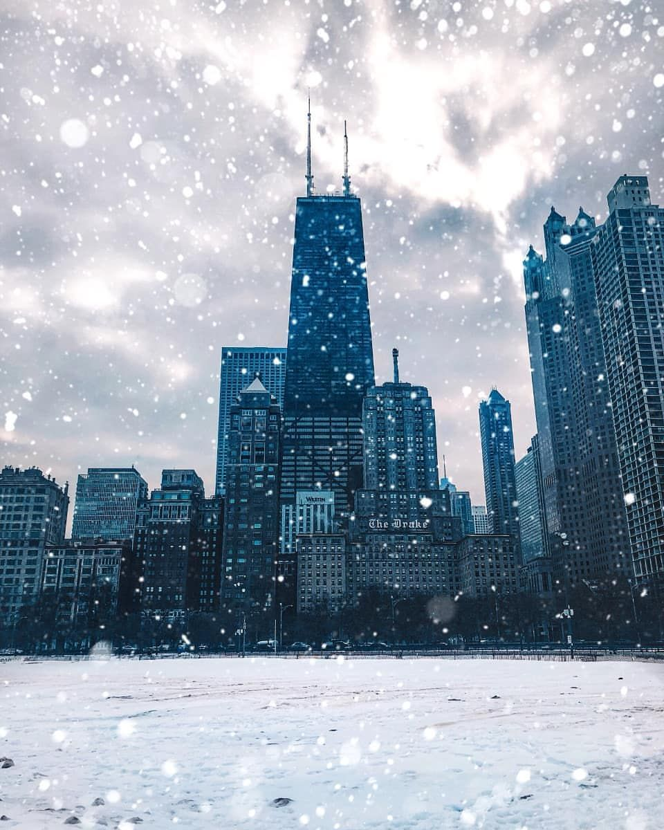 Chicago Got Its Winter Coat On Can You Spot The Heart Or Is It Just Me In 2020 Chicago Winter Chicago Aesthetic Chicago Attractions