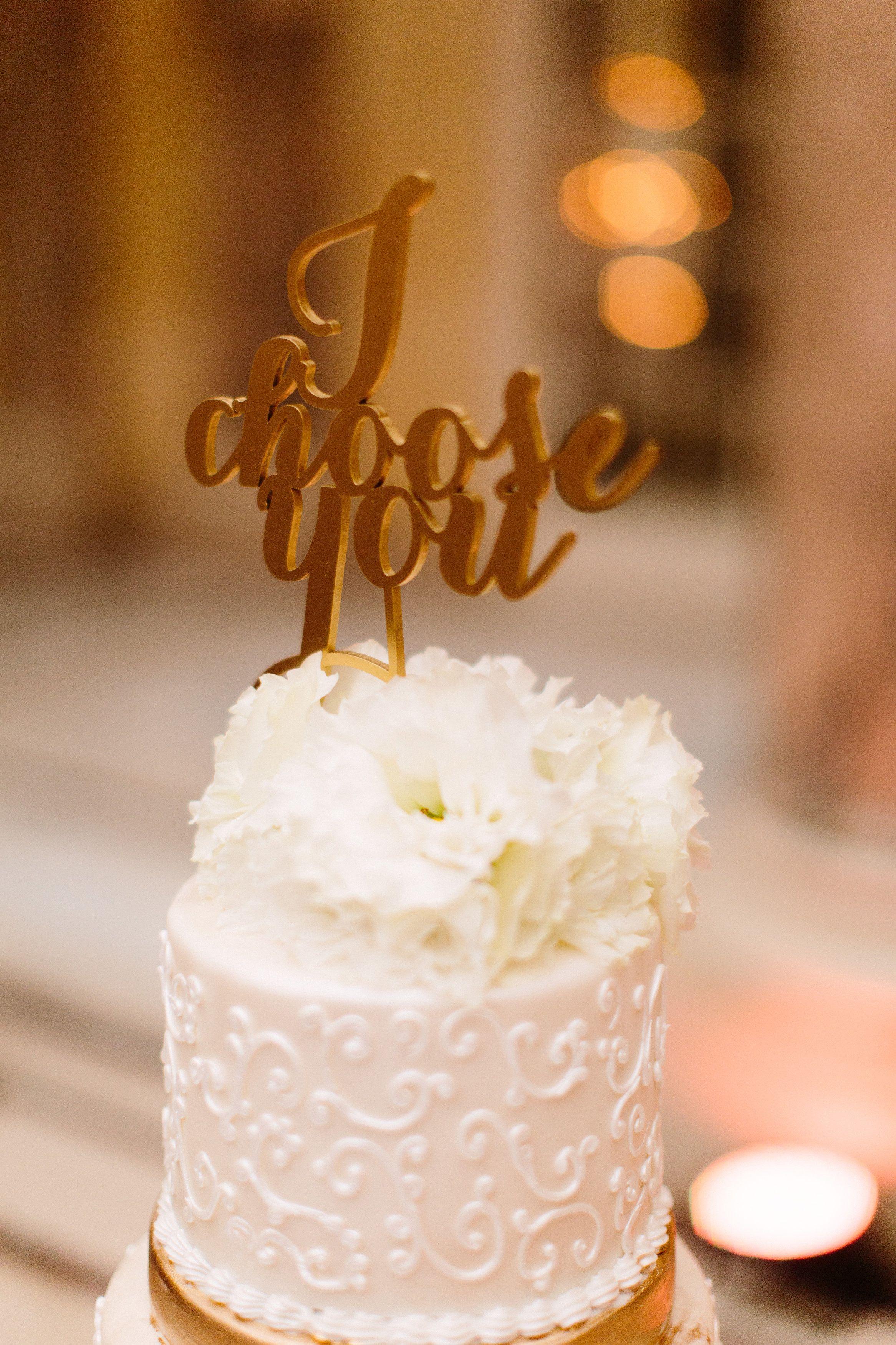 Photography: Meg Perotti - megperotti.com  Read More: http://www.stylemepretty.com/california-weddings/2015/04/16/elegant-san-francisco-spring-wedding/