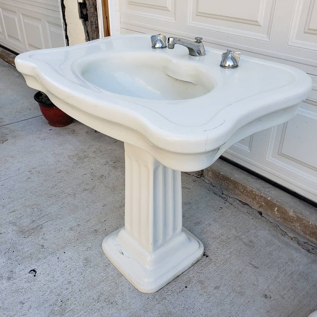Antique Pedestal Sink Made By Thomas Maddock And Sons For Sale