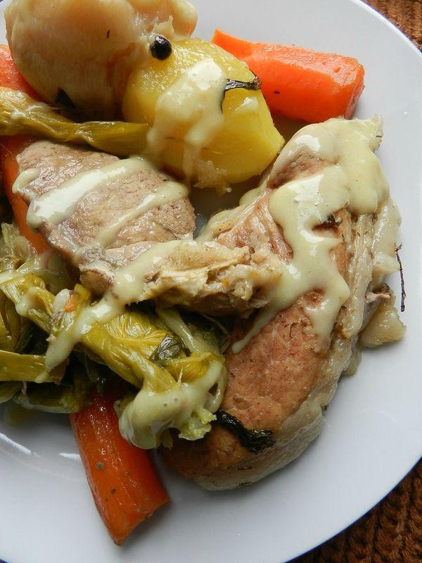 Rouelle de porc fa on pot au feu c 39 est pas d 39 la tarte recettes cuisiner pinterest - Cuisiner la rouelle de porc ...