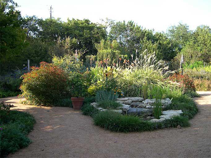 81e29-garden-entrance.jpg 682×511 pikseliä