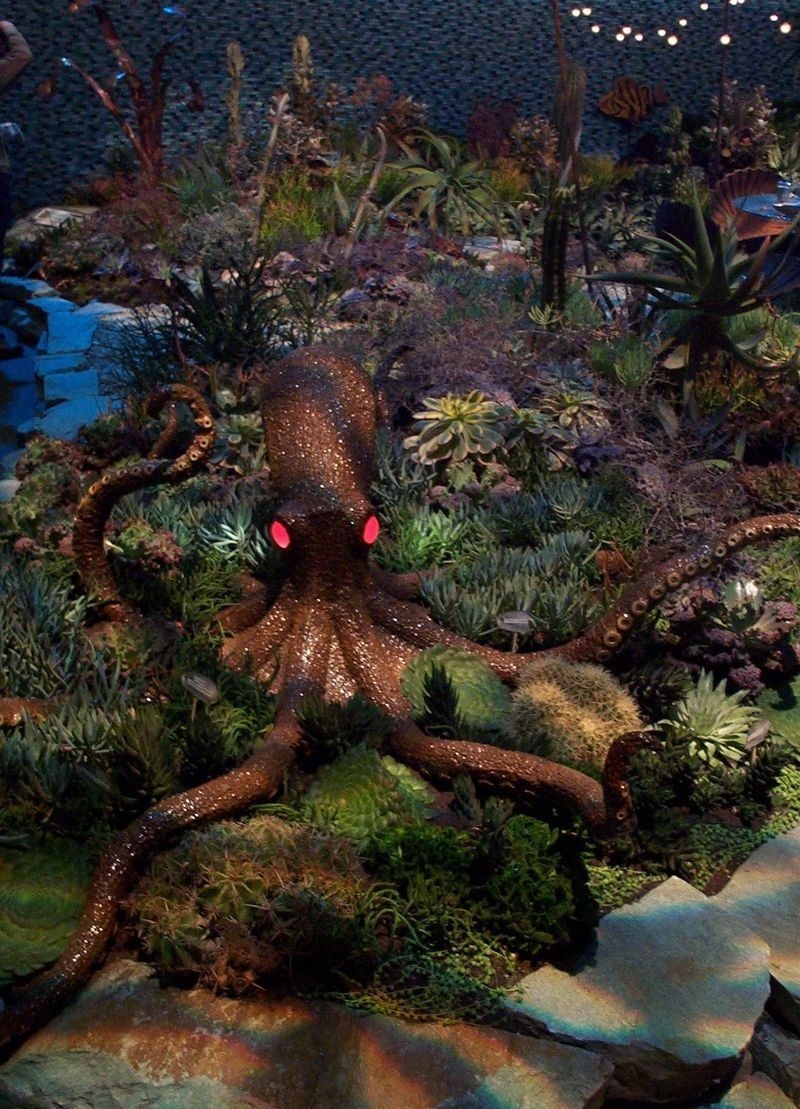 The San Francisco Flower And Garden Show... Doesnu0027t Everyone Want A Giant  Squid In Their Landscape?