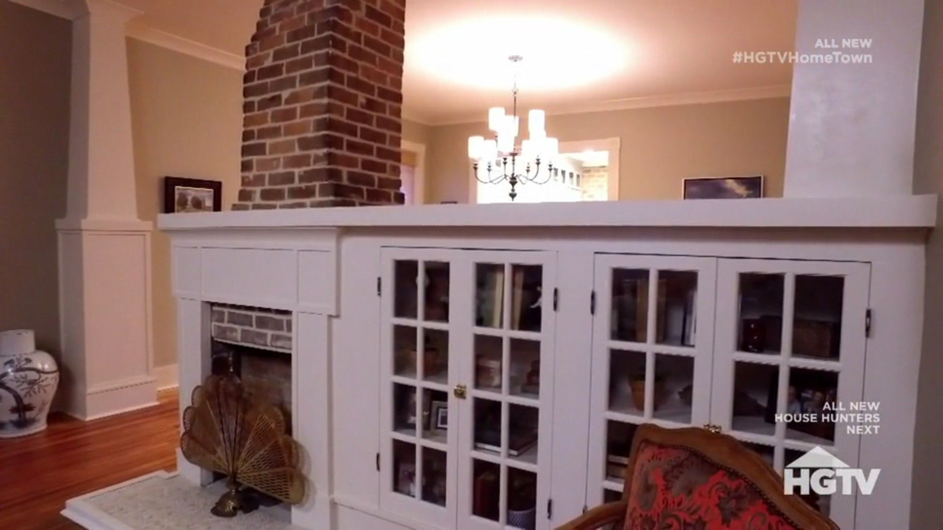 Hgtv Hometown Season 2 Episode 8 Updated Original Fireplace Home Town Hgtv Hgtv Living Room New Homes