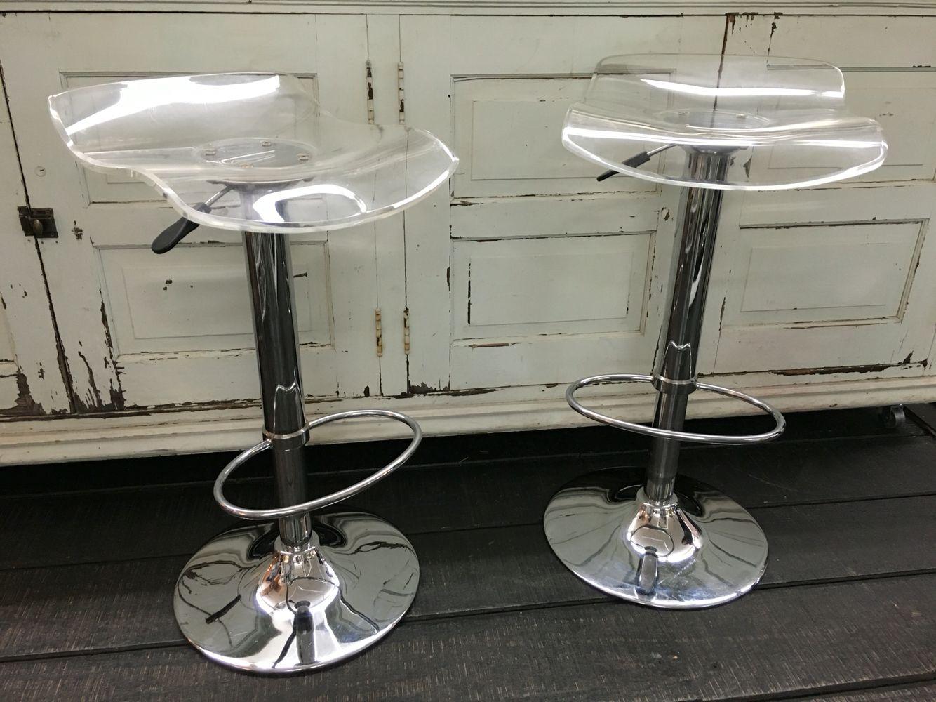 Cool pneumatic lucite chairs at the Agoura Antique Mart! Modern, sleek, comfy & stylish! @littleleslieboo