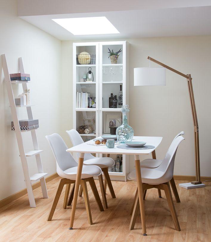 Hogares kenay un tico de estilo n rdico casas for Lamparas para apartamentos pequenos