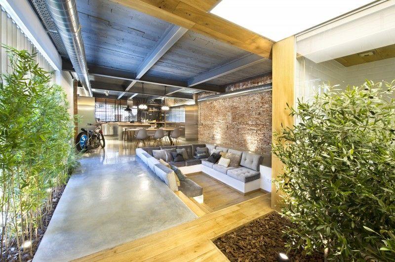Loft met binnentuin meer info op interieurdesigner be