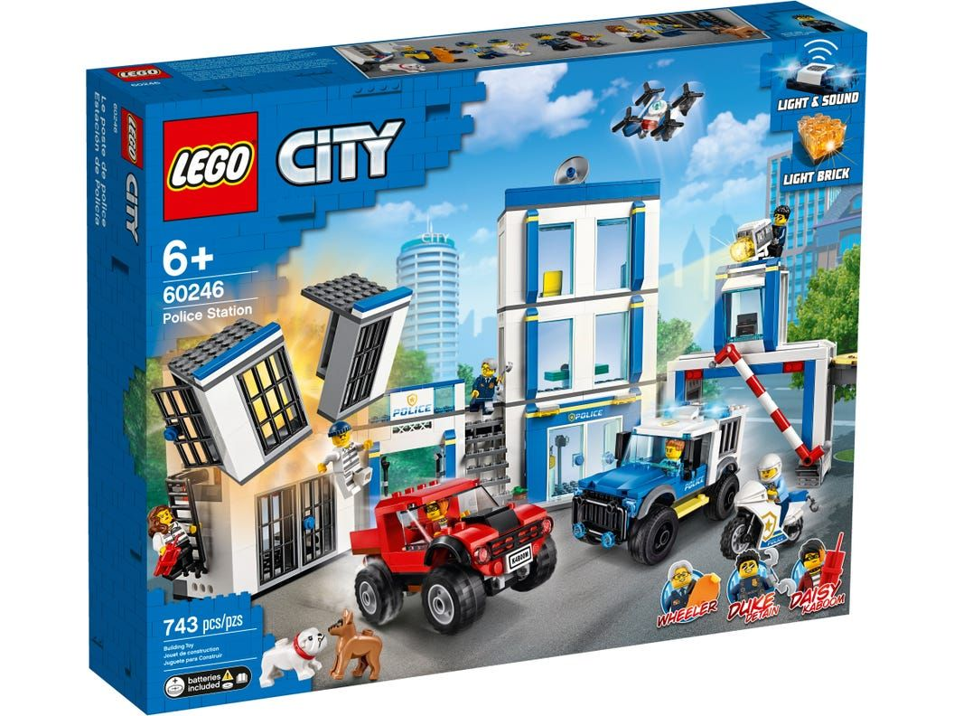 Police Station 60246 City Buy Online At The Official Lego Shop Us In 2020 Lego City Police Station Lego City Police Lego City
