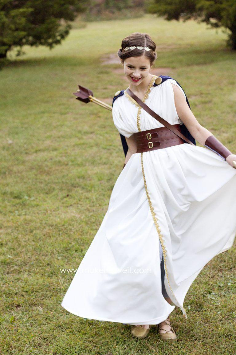 Artemis Dress Up