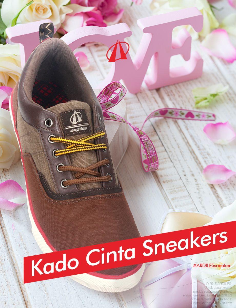 Kalau kamu yakin akan memberi sneakers, jangan ragu untuk membeli ARDILES sneakers yang trendy dengan banyak pilihan. Kamu bisa belanja di www.ardilesmetro.com