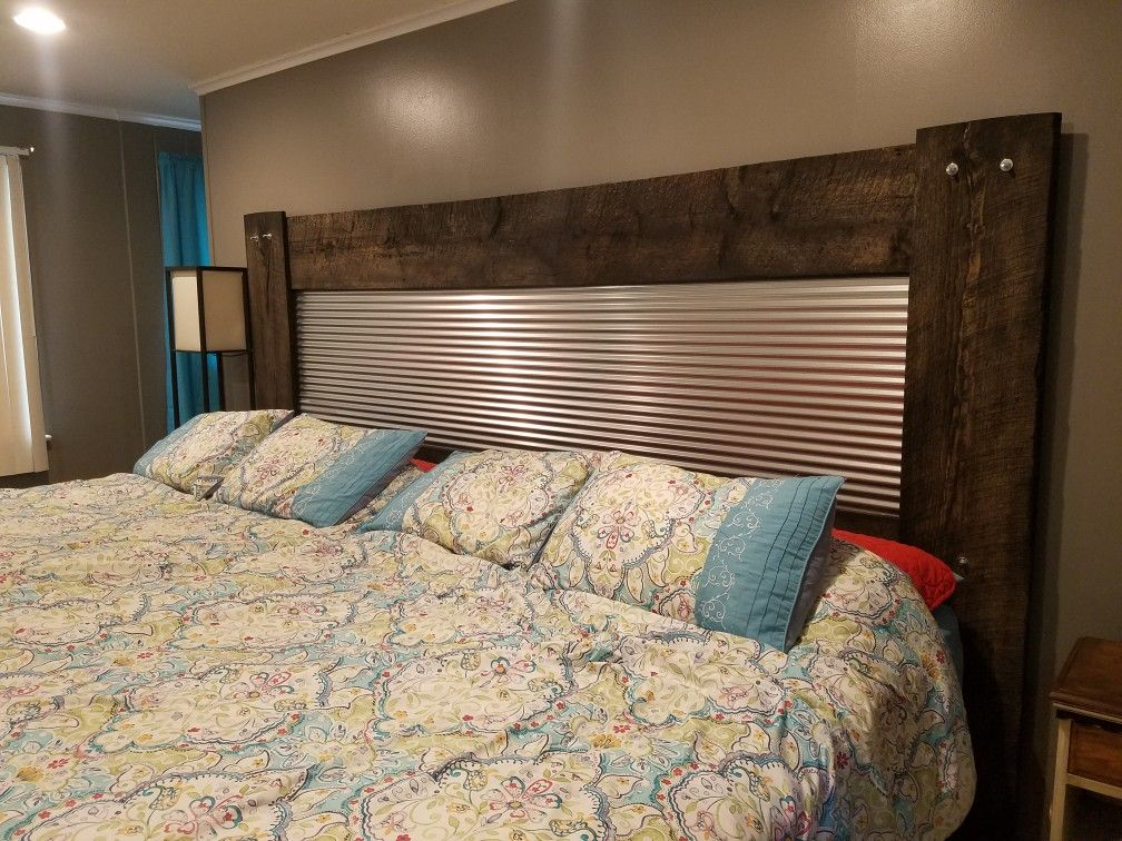 Rustic Headboard Made With Corrugated Metal And Barn Wood Made To Fit 2 Queen Beds Which Is 10 Ft Wide Rustic Headboard Headboard Metal Headboard