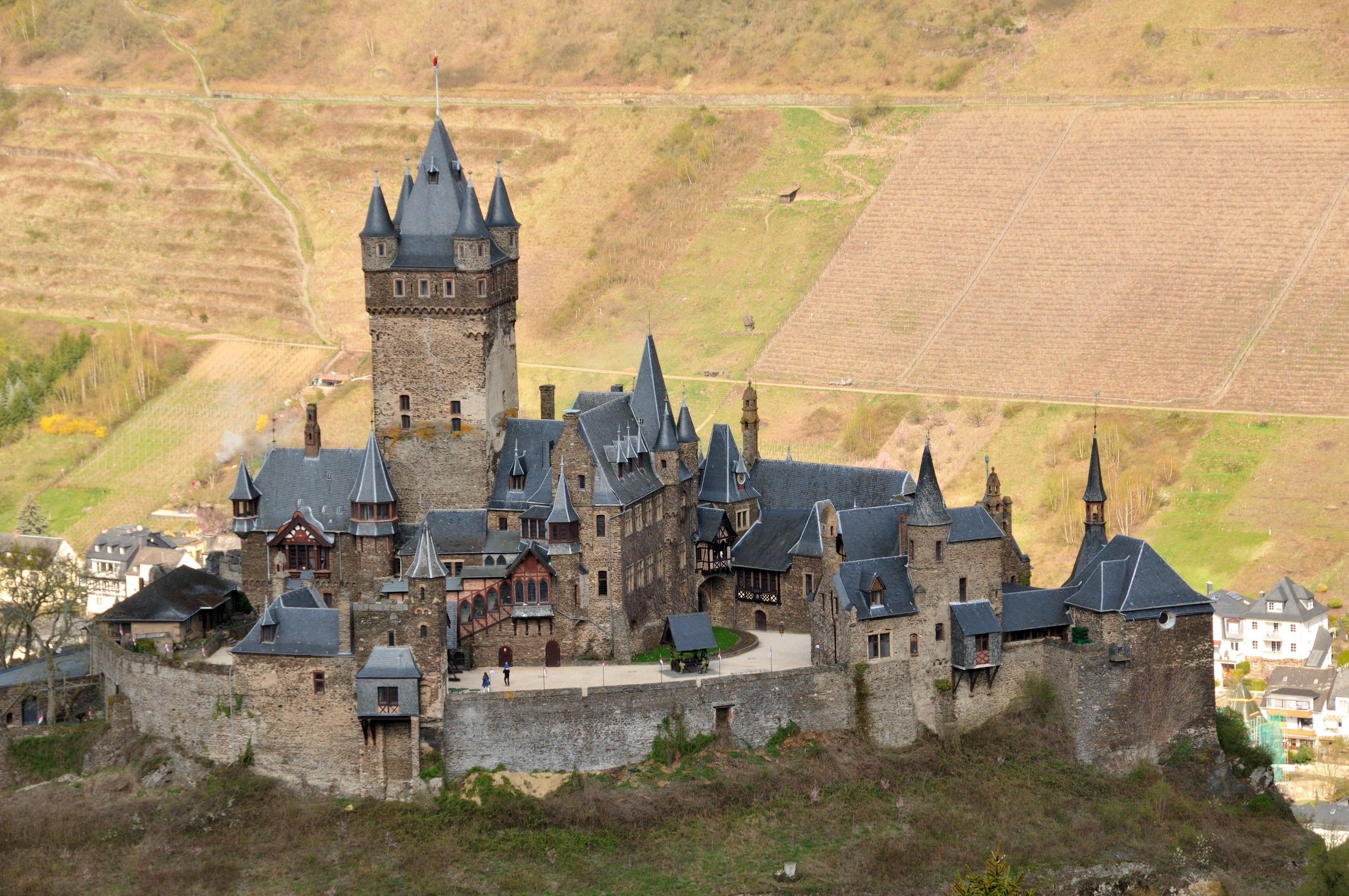 how to say castle in german
