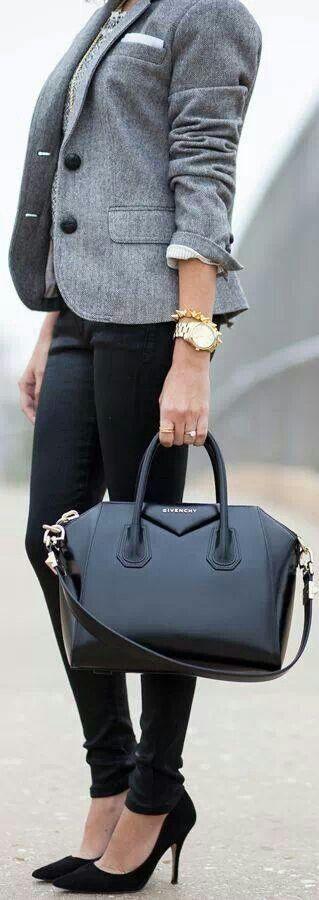I need a blazer like this!