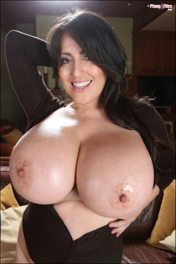 Naked mom big boobs