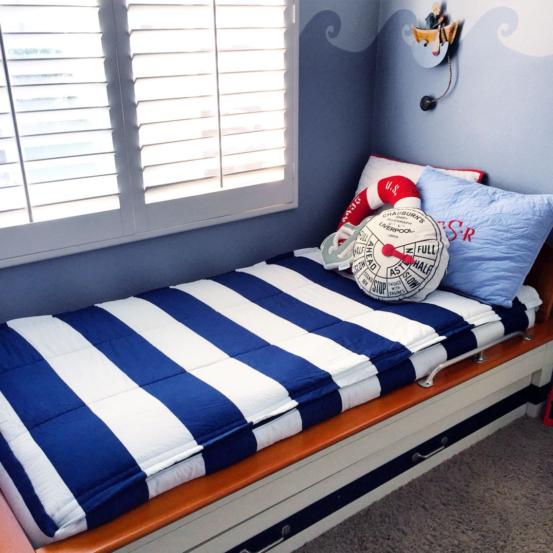 Beddy S Bedding Is Perfect For This Pottery Barn Boat Bed Love The Nautical Look Zipper Bedding Is The Only Way To Mak Beddys Bedding Zipper Bedding Boat Bed