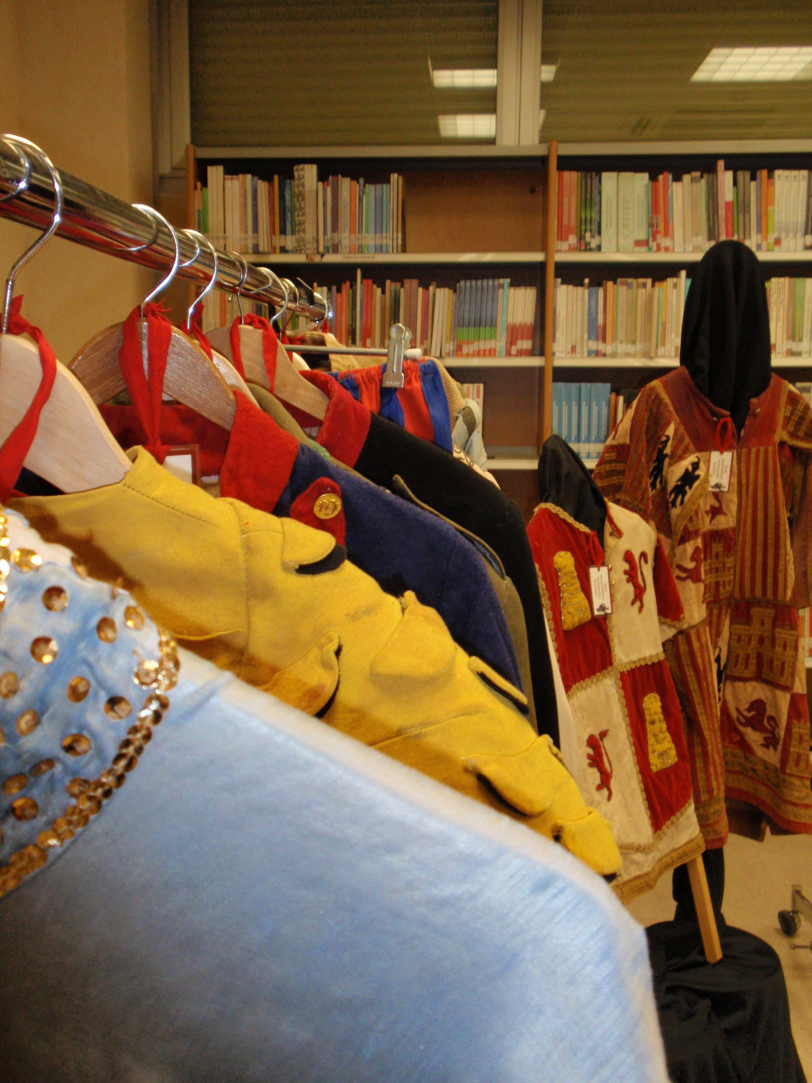 """Exposición """"Galería Salesiana: educar con el teatro"""" (23 de abril - 24 de mayo de 2010), CES Don Bosco (Madrid)."""