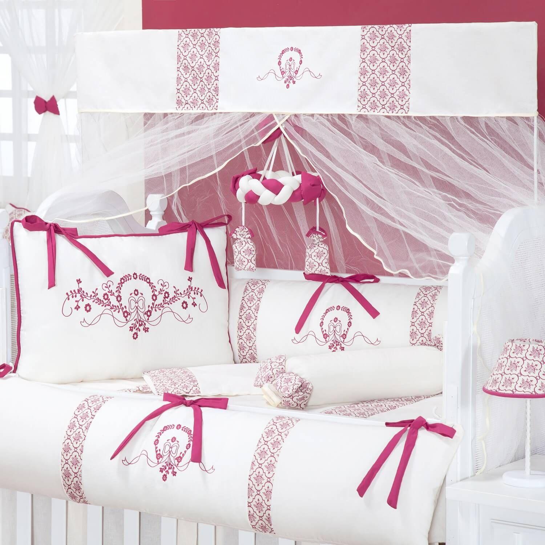 118c38357e321 O Kit Berço Pérola Marsala traz as flores para o quarto de bebê com muita  delicadeza