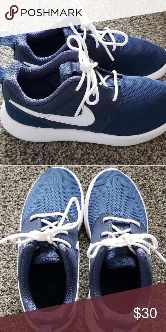 a897b1fb385e Boys Nike Roshe shoes size 1Y Brand new never worn navy blue Roshes. Preschool  boys