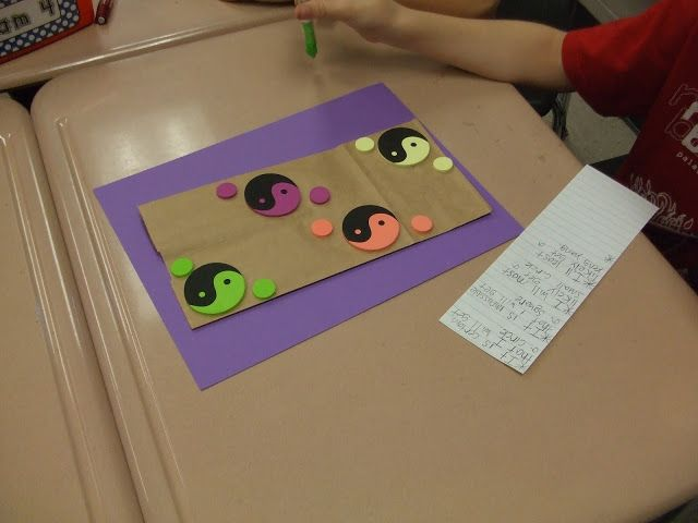 Probability games for math center - idea to use foam stickers as objects