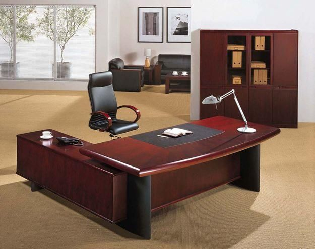 Making A Careful Purchase Of Office Furniture Executive Desk Http Officefurnitureblog Org