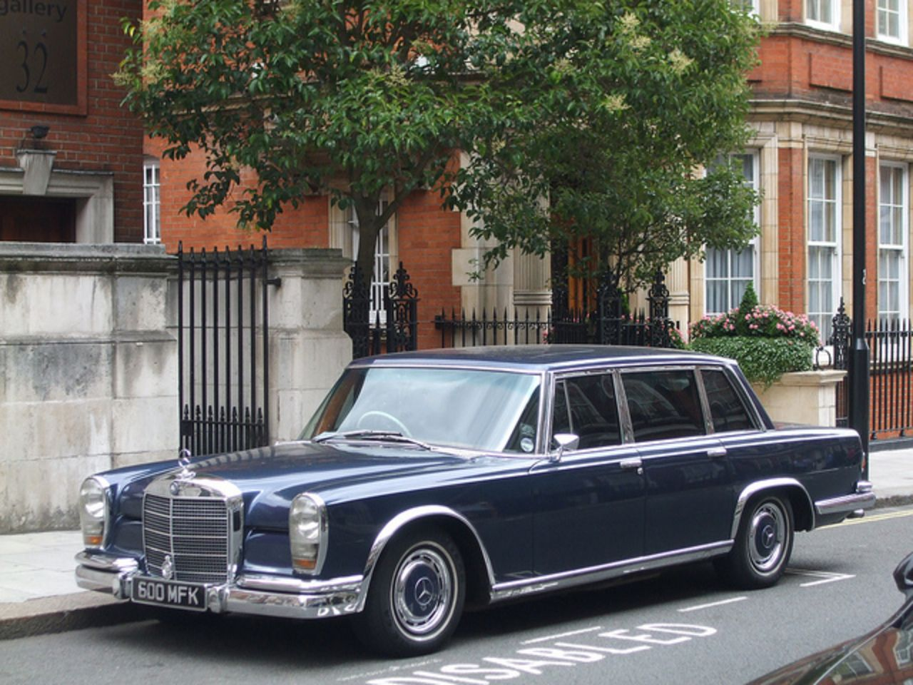 Mercedes Benz 600 With Images Mercedes Benz Classic Mercedes
