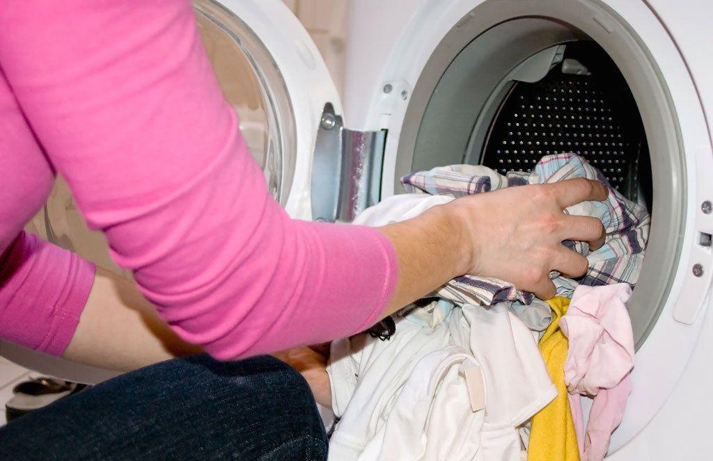 Haiseeko pesukoneesi? Näin pääset löyhkästä eroon