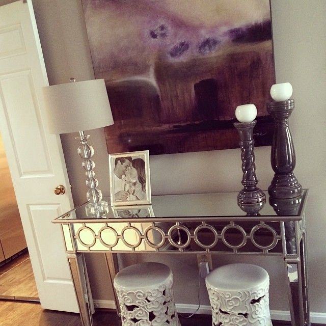 Our Sophie Mirrored Console Table Is Perfectly At Home In Kikimariah S Home Don T You Think Mirrored Console Table Decor Asian Home Decor