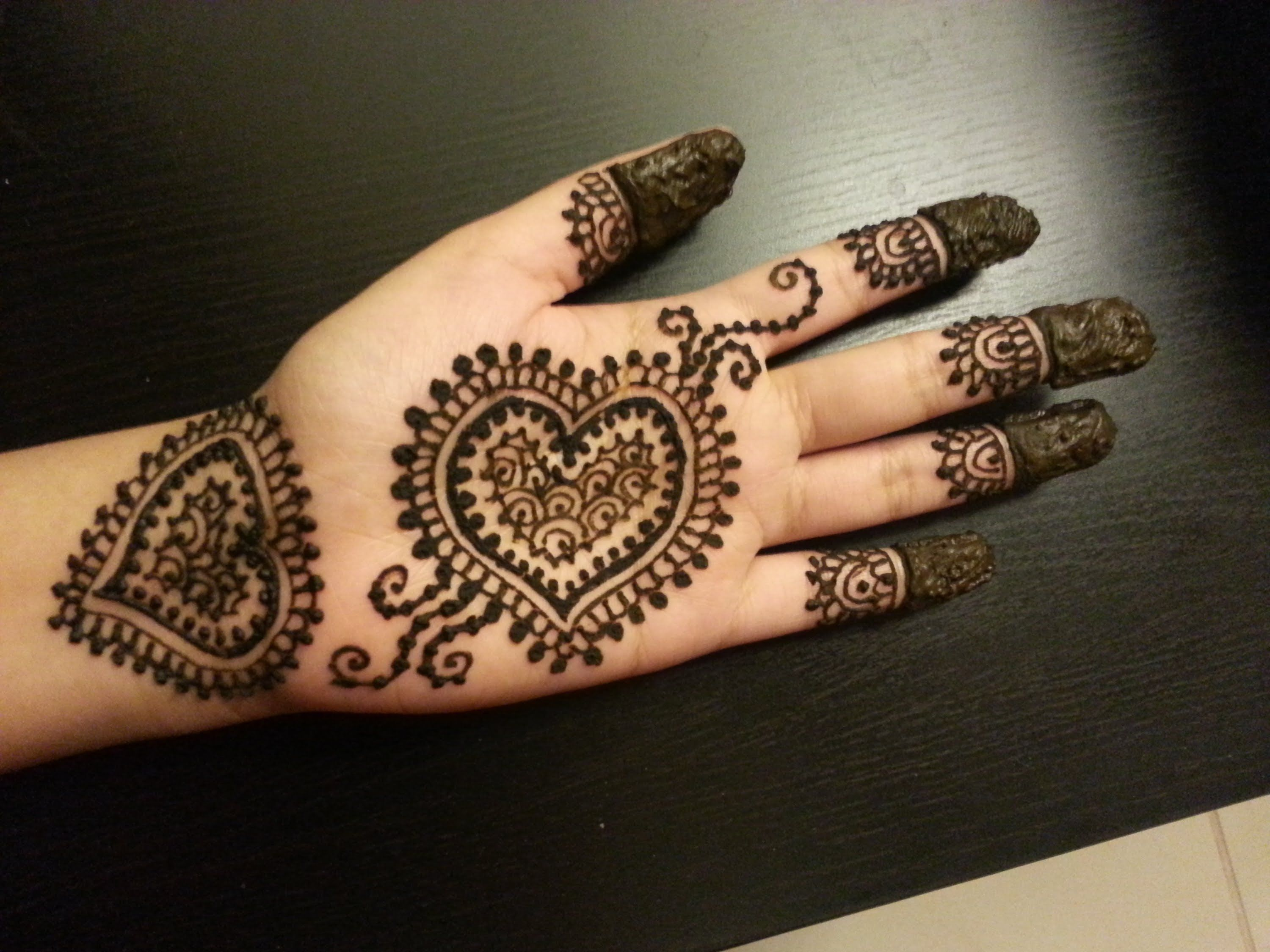 Easy Mehndi Designs Hands : Pretty heart henna design easy hearts shaped mehendi