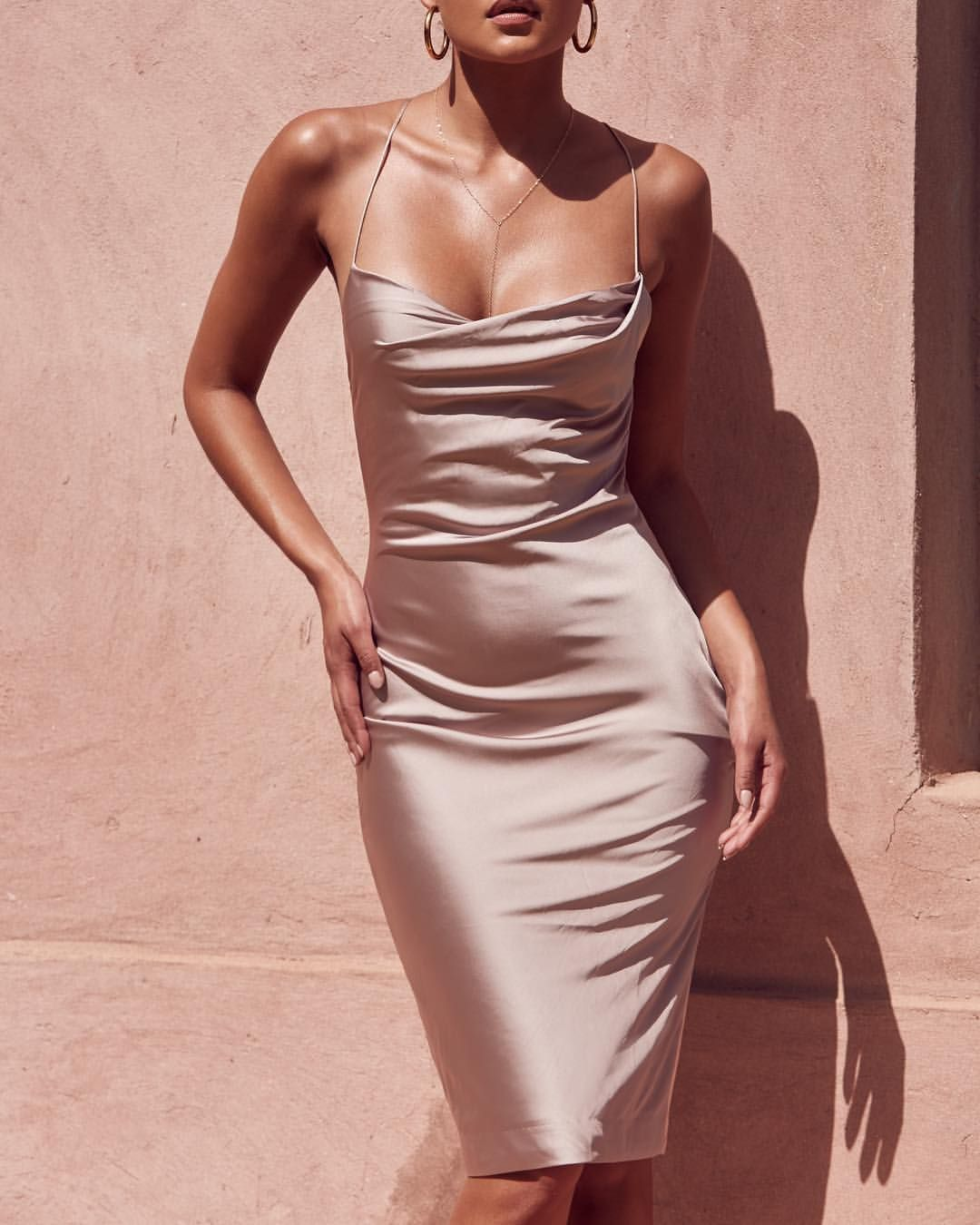 Verwonderlijk Pin van Jane Xdress op Dresses I love to wear | Satijnen jurken LD-54