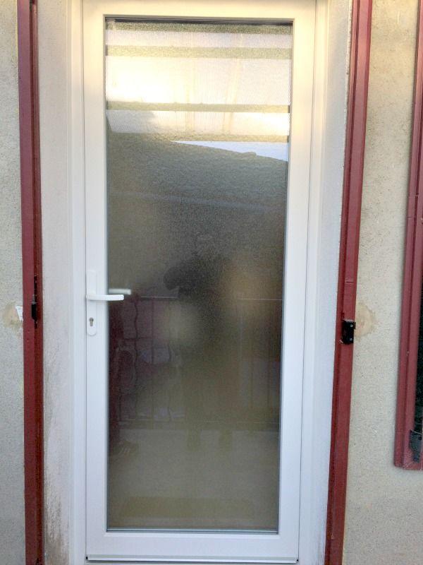 Porte d\u0027entrée PVC vitrée #porte #pvc #vitrée #securite #isolation