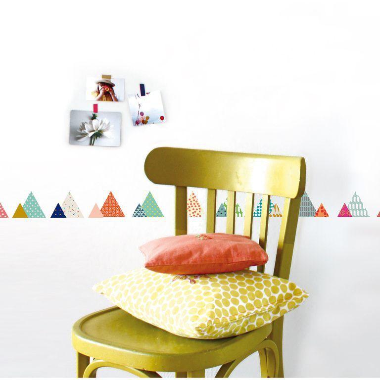 Retrouvez ce modèle de Sticker Mural Frise La Montagne de Jo Mimilou en vente sur la boutique en ligne d'articles déco Lili's.