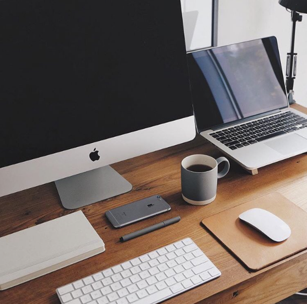 20 Wonderfully Minimal Workspaces For Your Inspiration Minimal Workspace Mac Setup Imac Desk Setup