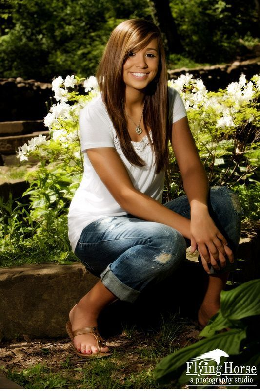 country senior pictures for girls | Country Girl Senior ... |Senior Picture Ideas For Girls Outside