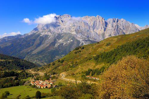 Picos de Europa by Paco Valle Poo