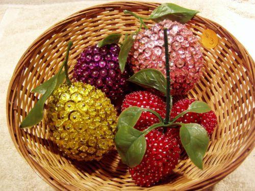 Vintage-Beaded-Decorative-Fruit-in-basket-4-fruits