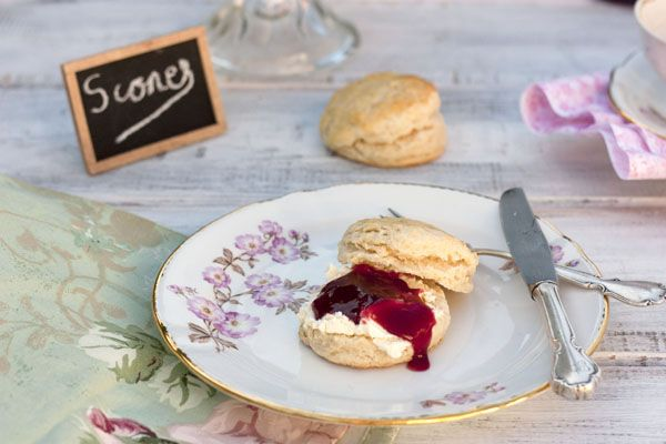 BRITISH SCONES CON CLOTTED CREAM | Sweet And Sour