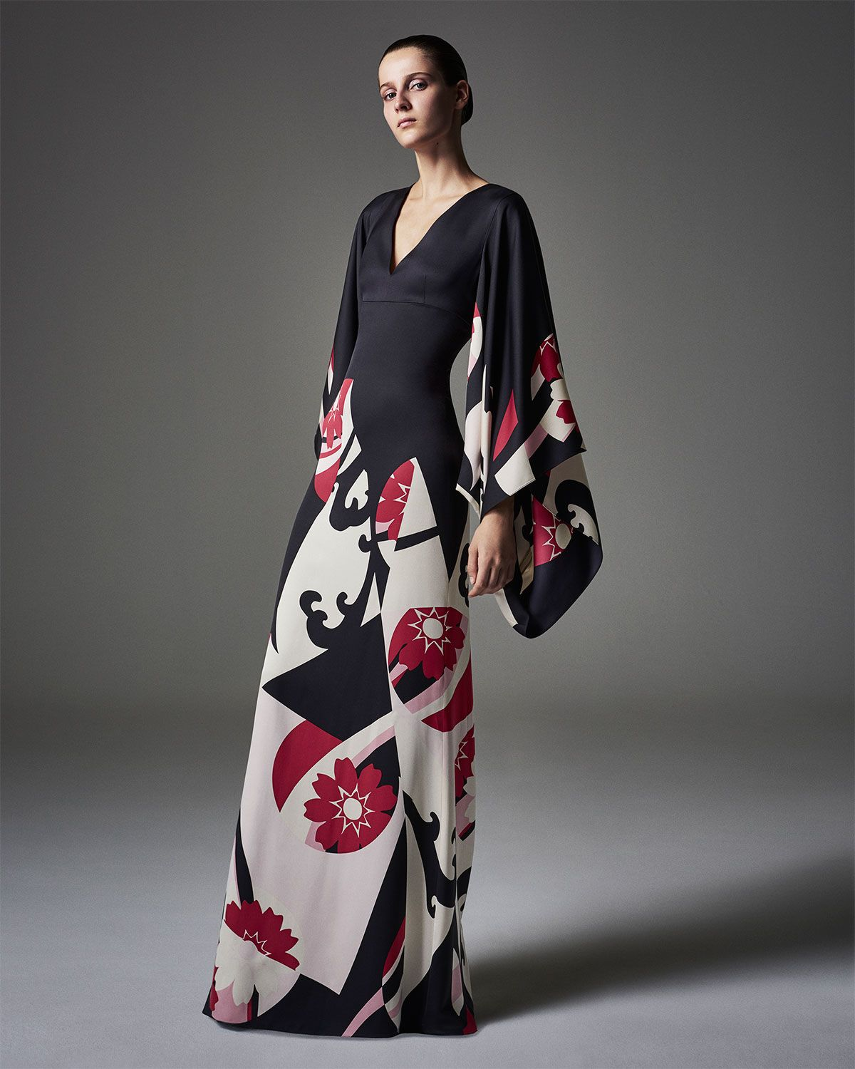 Abstract floralprint kimono gown black mix satin gown darts and
