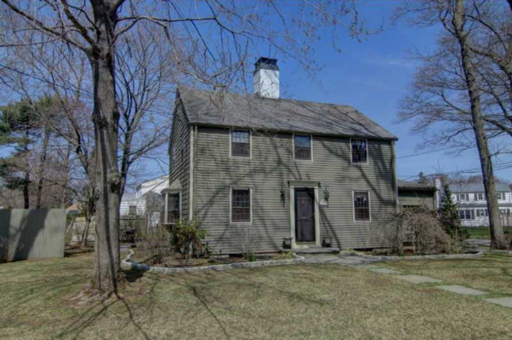489 Squantum Dr Warwick Ri 02888 Is Recently Sold Zillow