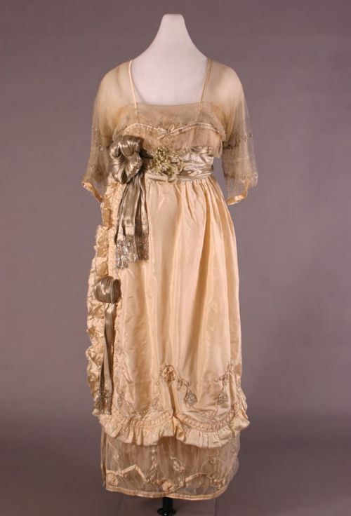 1918 Lucile Wedding dress (Henry Ford Costume Collection, Wayne State University - Detroit, Michigan USA)