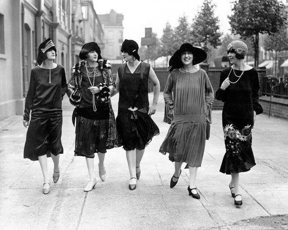 Street fashion in the 1920s. Roaring Twenties