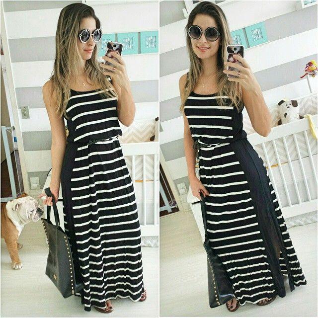 Quem disse que roupa de gestante não pode ser usado depois?! 😕 Esse vestido da @emmafiorezi usei muito durante minha gravidez e agora ele está um pouco larguinho, mas nada melhor que usarmos a criatividade,  não é mesmo?! 😄 Coloquei um cintinho para marcar a cintura e ficou ótimo. 💟 Simples, clean e confortável ... um vestido que não sai de moda para todos os momentos 😄😍👍 #LookbyRaka #lookoftheday #DepoisDeGrávidaUsoTambém