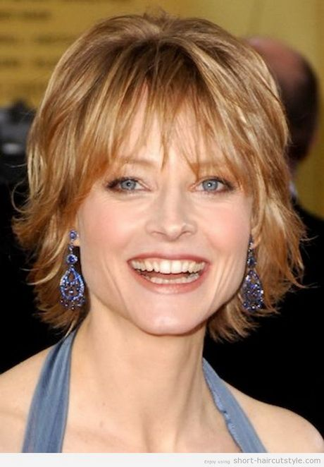 Short Haircuts For Older Women With Round Faces Shaggy Short Hair Short Hair With Layers Hair Styles