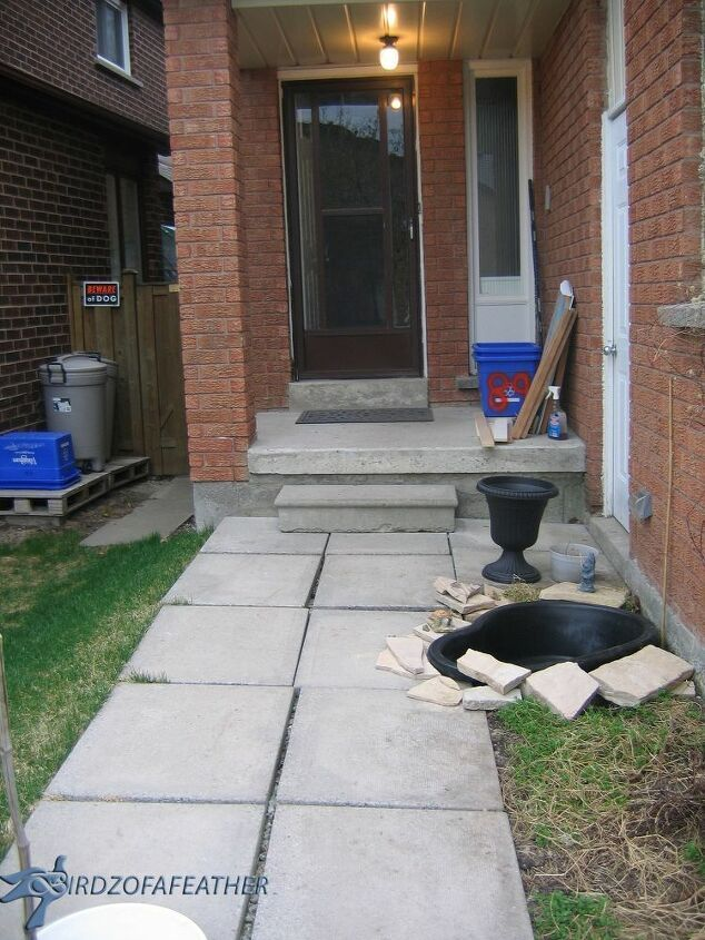 Create a Small Water Feature and Add Curb Appeal to Your Front Garden! #walkwaystofrontdoor