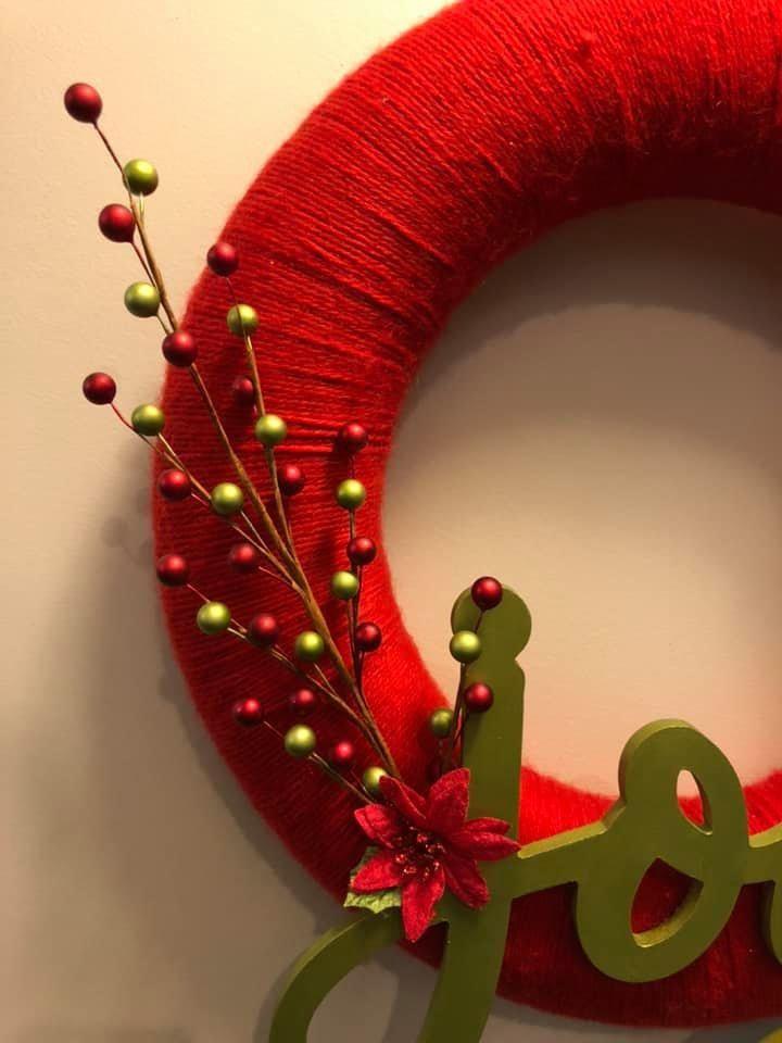 Joy yarn wreath Gallery