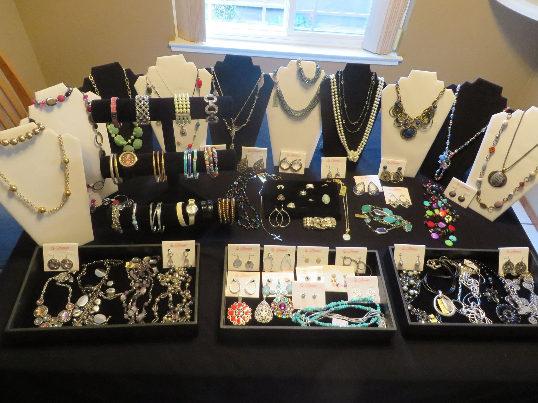 Display Idea Jewelry Table Display Craft Show Booths Premier Designs