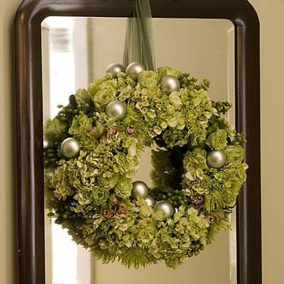 58 Christmas Wreath Ideas For Windows Doors And More Christmas Wreaths Elegant Christmas Holiday Wreaths