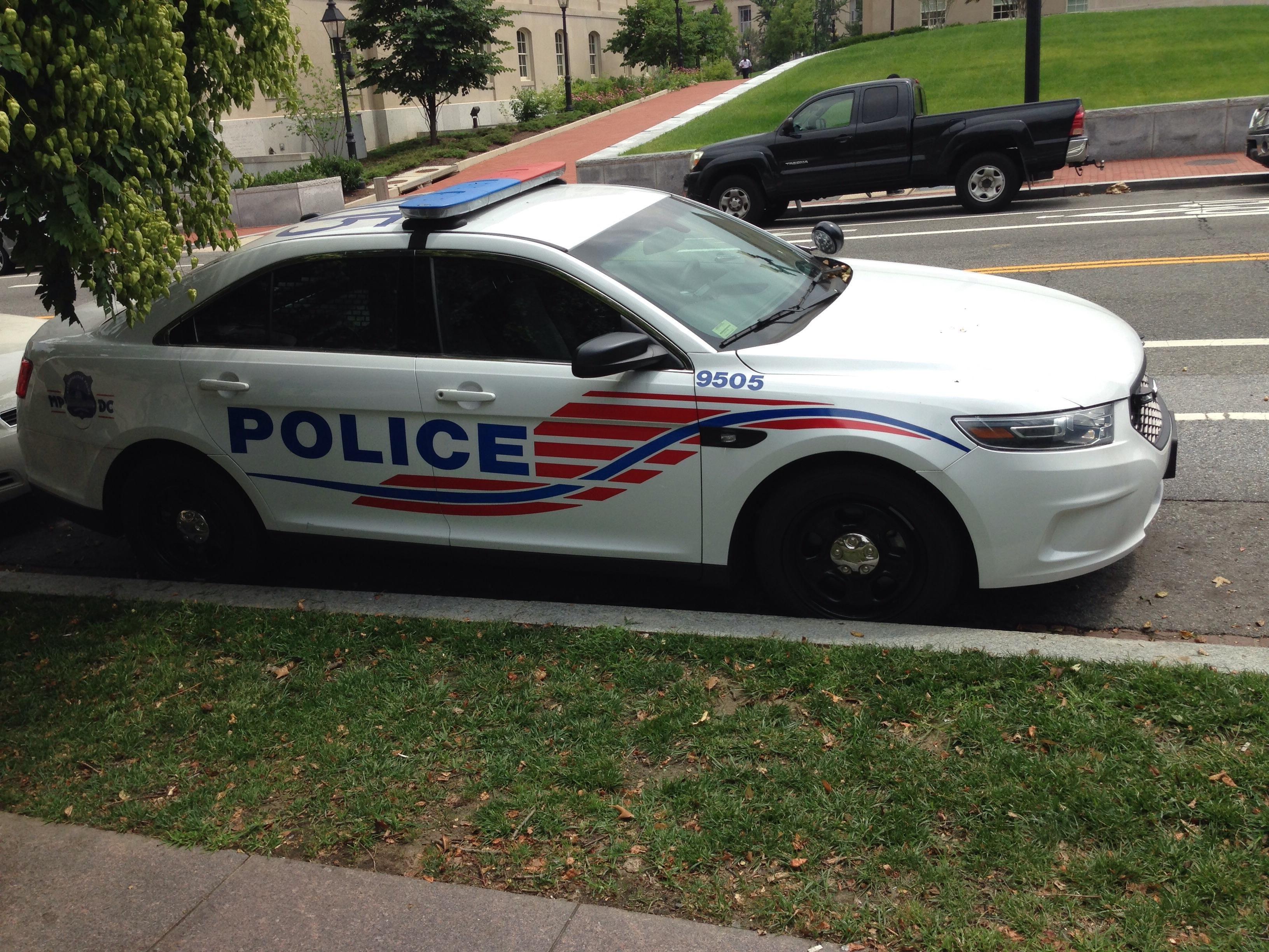 Metropolitan Police Department Ford Police Interceptor Dc Police Cars Police Ford Police